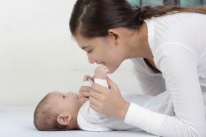 赤ちゃんとママ